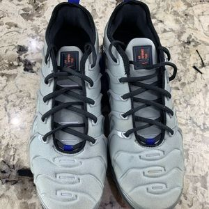 Nike Air Vapormax Plus Metallic Silver Sz. 9